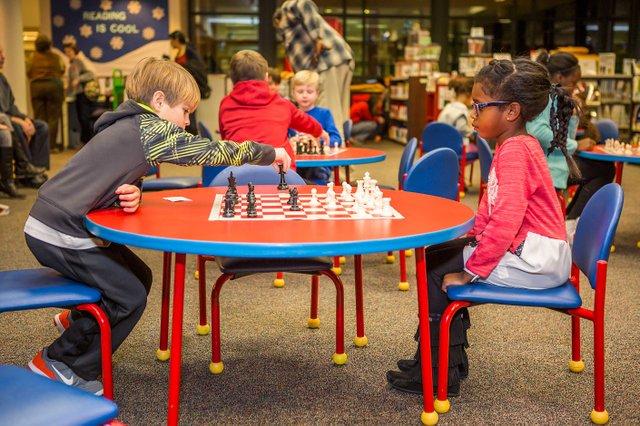 CSUN-Chess-Coach-Photos4a.jpg