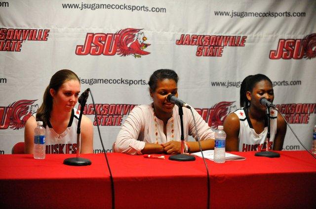 CSUN-Girls-Basketball2.jpg