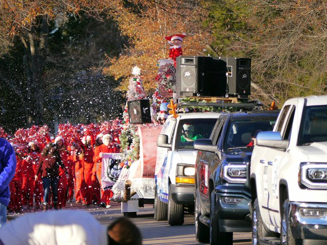 CSUN-EVENTS-ChristmasParade.jpg