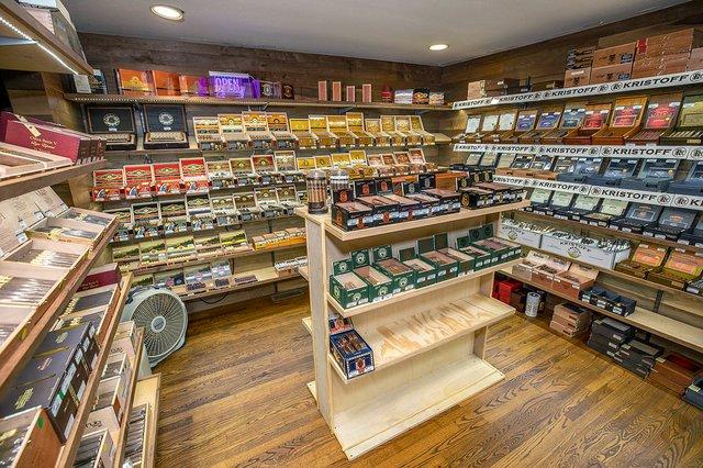 CSUN-BIZ-Trussville-Cigar-Co-BURK2149.jpg