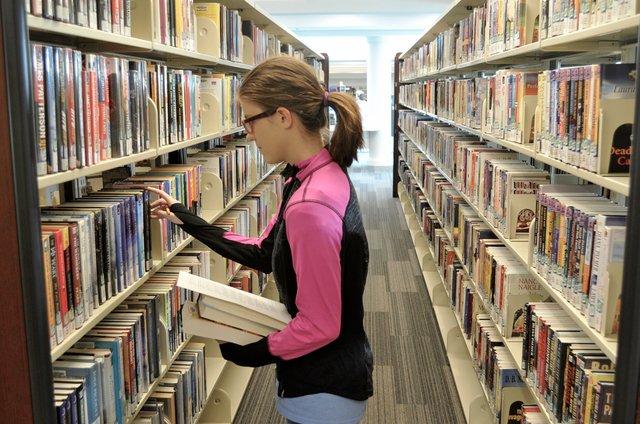CSUN-FEAT-Library-Summer-Activities-1.jpg
