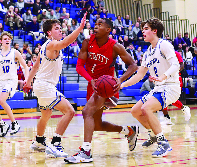 Hewitt-Trussville at Vestavia Hills boys basketball