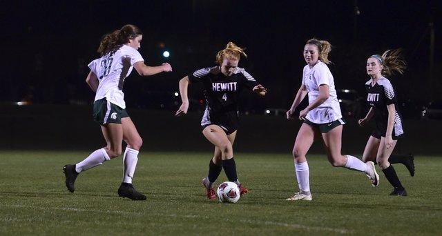 Mountain Brook at Hewitt-Trussville girls soccer