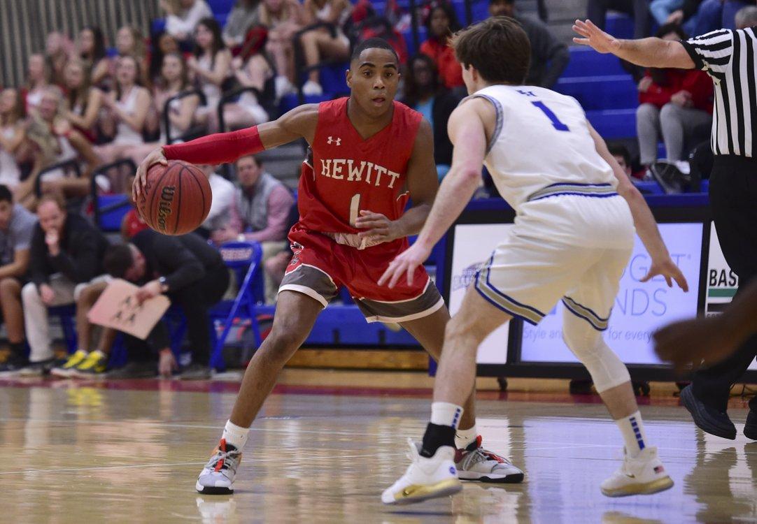 Hewitt-Trussville at Vestavia Hills boys basketball