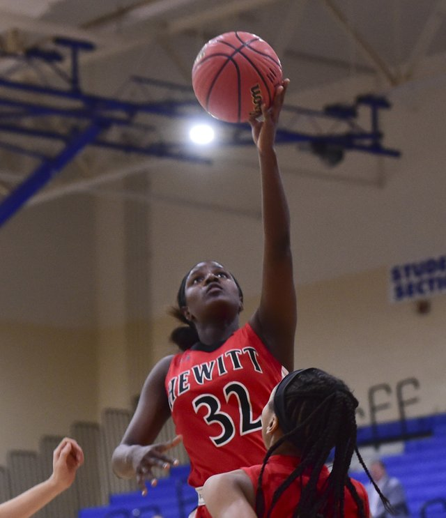 Hewitt-Trussville at Vestavia Hills girls basketball