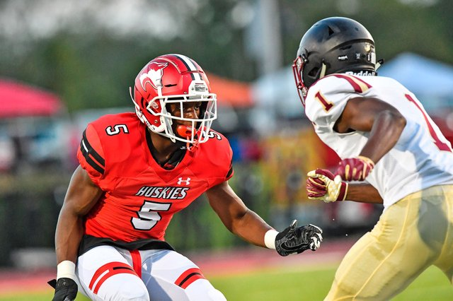 CSUN-SPORTS-FTBL-MAG-Hewitt-Trussville-football-preview_1.jpg
