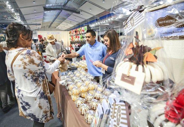 CSUN-EVENTS-Market-Noel.jpg