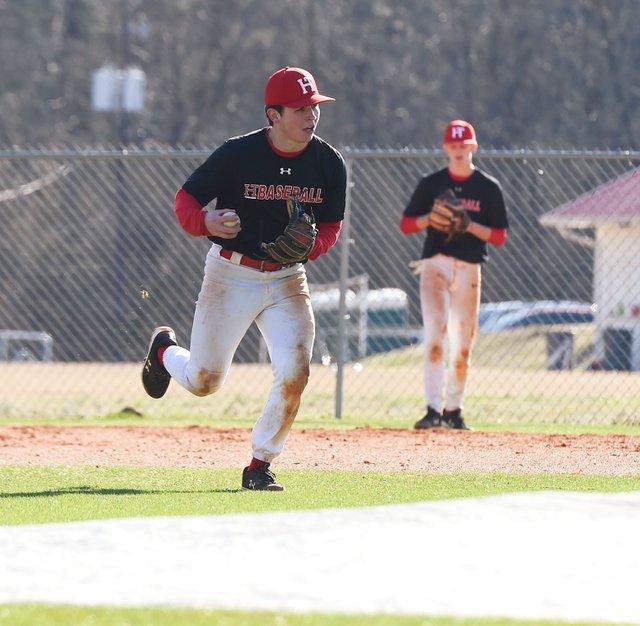 CSUN-SPORTS-Baseball-210128_HTHSbasketballEN02.jpg