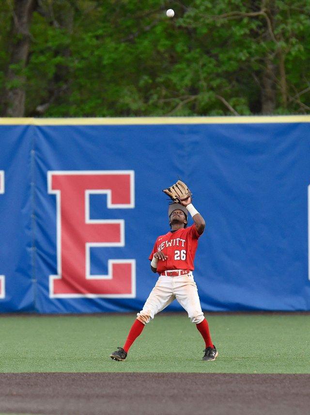 CSUN-SPORTS-Hewitt-baseball_HTatVHbsbEN15.jpg