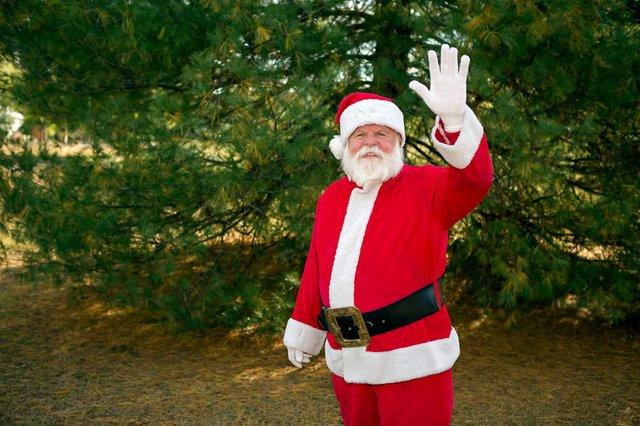 CSUN-FEAT-Spreading-holiday-cheer3.jpg