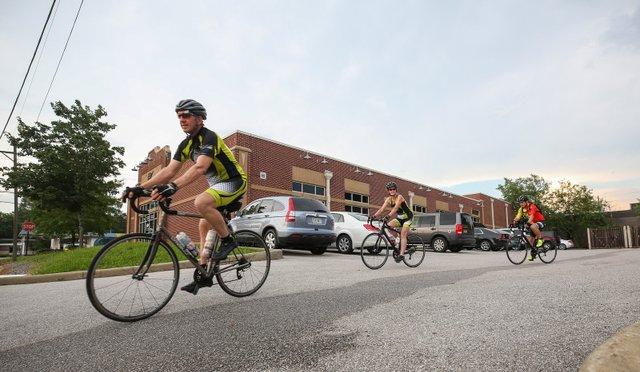 CSUN-FEAT---cyclists.jpg