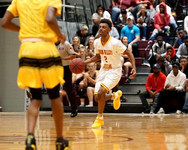 CSUN-SPORTS-Pinson-Valley-Basketball2.jpg